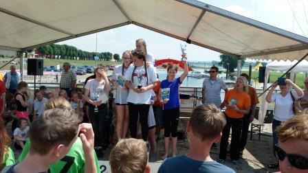 Drachenbootrennen I